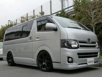2012 Toyota Hiace01