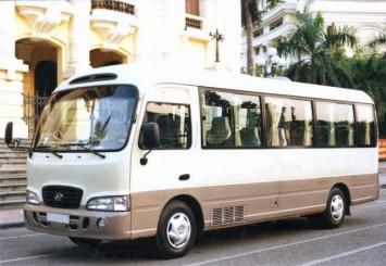 thue-xe-29-cho-huyndai-county-1
