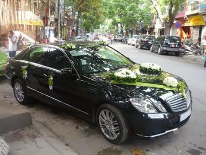 xe-cuoi-mercedes-e300
