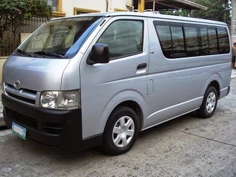 cho-thue-xe-16-cho-MERCEDES C230